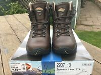 Nearly new Ladies Meindl Walking boots size 6.5