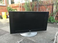 lg 32 inch liquid crystal display tv