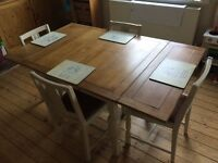 Vintage extending dining table and chairs - 4/6 seater