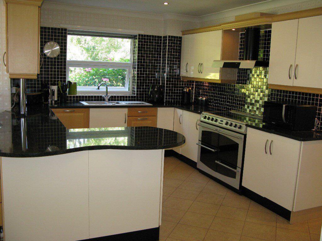 Kitchen units for sale including black granite worktops for Black kitchen units sale