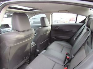 2013 Acura ILX Premium Package | LEATHER | ROOF | HEATED SEATS London Ontario image 14