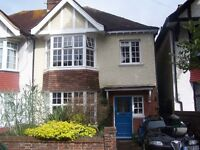 7 Dials 4 bed house with parking available immediately