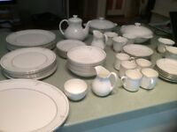 Royal Doulton Carnation Dinner Service (for 8) + coffee cups, tea cups, tea pot. Excellent condition