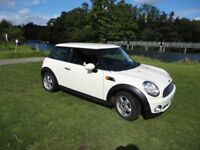 Mini One Hatch Auto Pepper White with Pepper Pack in VGC and Full MoT