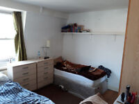 RoomShare With A Boy in Fulham-Parsons Green
