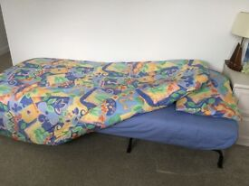 """SINGLE BED SET 2 DUVET COVERS, 2 FITTED SHEETS, 6 PILLOWCASES, plus 2 PAIRS CURTAINS 54"""" L X 66"""" W"""