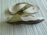 FitFlop Gold Glitterball style sandals