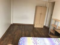 Large double room to let in Willesden Green