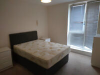 Incredible one bed flat with a balcony in Heneage Street, Shoreditch