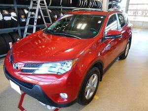 2014 Toyota RAV4 XLE Comfortable AWD in great shape