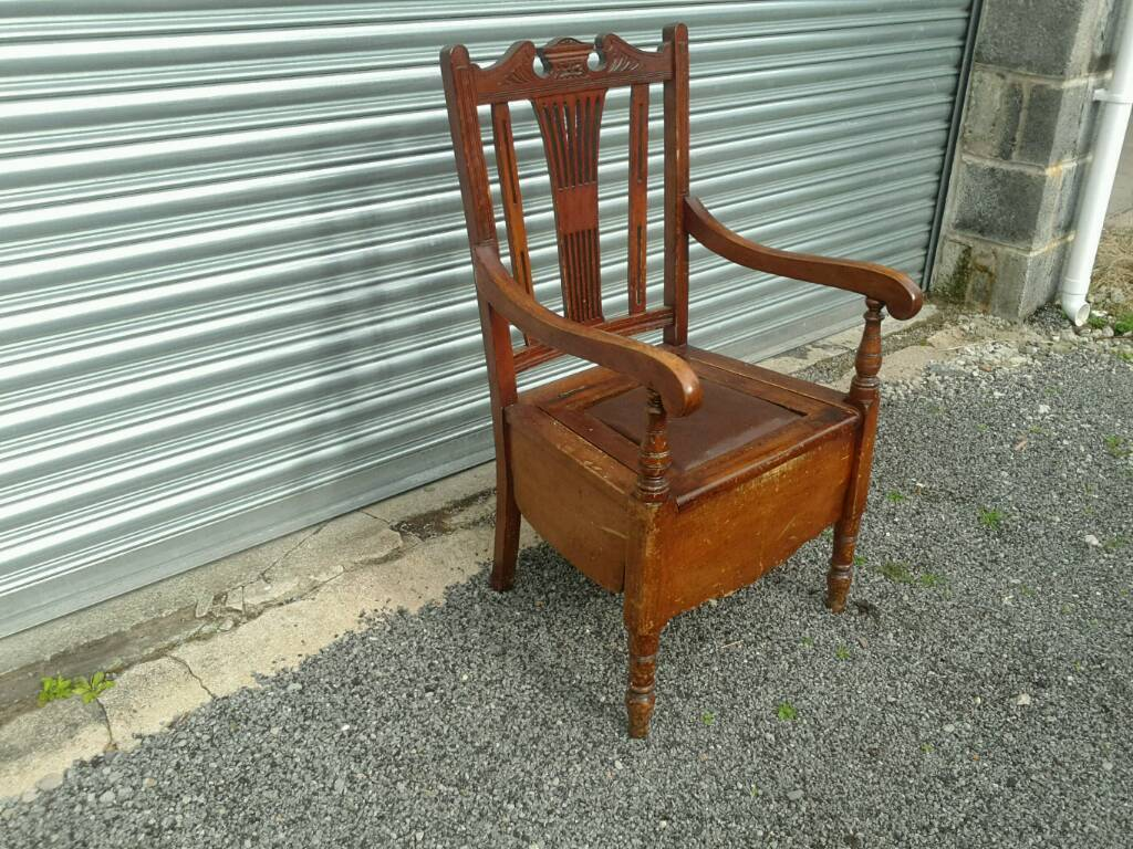 Wood bedroom chair