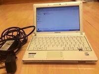 ACER NP-NC10 White NETBOOK / INTEL ATOM 1.60 GHz / Windows 7 / 1 GB RAM / 160 GB HDD /