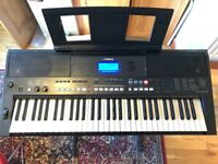 Yamaha PSR-E433 Digital Keyboard £100
