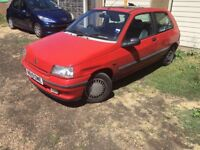 Renault Clio RT 1390cc Petrol Automatic 3 door hatchback N Reg 19/04/1996 Red