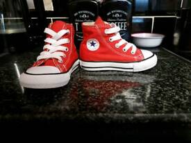 Hightop infant Converse size 5