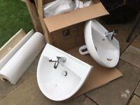 X2 sinks pedestal mixer tap waste & push button plugs