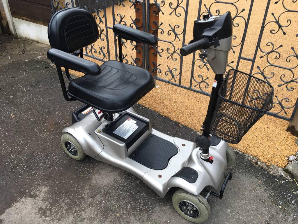 Rio fold flat lightweight mobility scooter with new batteries fitted can deliver for fuel