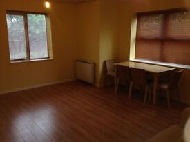 MODERN G/F 1 BED FLAT TO RENT IN BECKTON! 5 MIN WALK TO BECKTON DLR STATION! WATER BILL INCLUDED!
