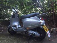 Vespa ET4 125 - Long Tax & MOT, Ready to Ride.