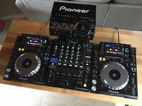Pioneer CDJ 2000 Nexus + DJM 900 Nexus + RMX 1000 + Decksavers - Mint & Boxed