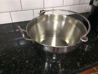 Jam preserving pan
