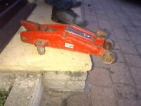 Used, Hydraulic jack and 2 jack stands for sale  South Yorkshire