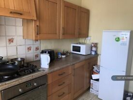 3 bedroom flat in Cannon Park, Coventry, CV4 (3 bed) (#1109994)