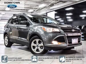 2014 Ford Escape SE, 2.0L  Pano roof, Back up cam, Low mileage