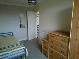 Room to rent. large, close to town. All bills inc 340 pm