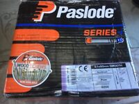 1 BOX ORIGINAL PASLODE I SERIES 31/90 SMOOTH GALV NAILS 2200 WITH CELLS