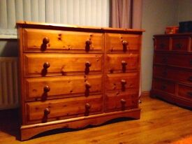 Erinwood Antique Wax finish Pine Chest of Drawers, 8 number. In superb condition