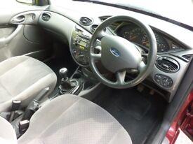 Ford Focus Mk1 GHIA interior excellent seats