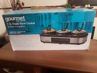 gourmet 7.1L Triple Slow Cooker & Warming Station, Never Used ( Please read )