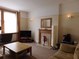 3 DOUBLE bedroom flat with secure gated parking for one car