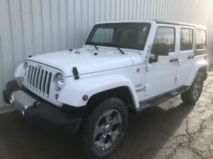 2017 Jeep Wrangler Sahara AWESOME V6 SAHARA 4X4 WITH VERY LOW KM