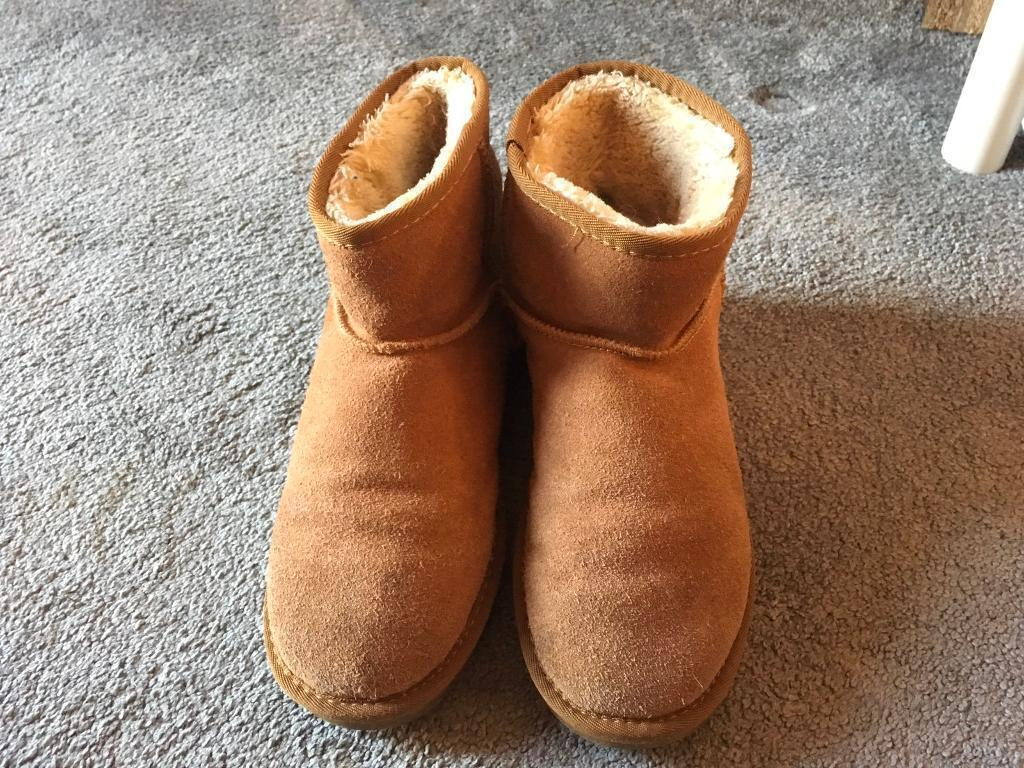 ed70031763e UGG original Ladies suede boots fur inside size 6 used good condition £20 |  in Leicester, Leicestershire | Gumtree
