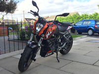 KTM Duke 2012 125cc - 1 Owner - Full Service History - < 9000 Miles