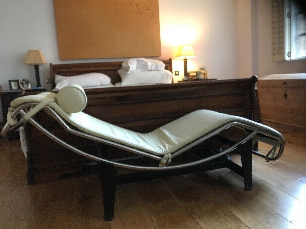 Cream Leather Chaise Lounge Inspired By Le Corbusier