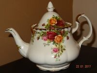 "Royal Albert Old Country Rose Small Tea pot 6"" to top of lid"