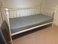 Day bed with trundle / slide out (makes double) quality mattress e