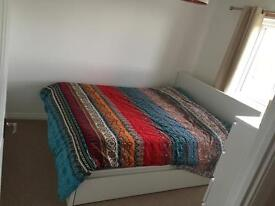 One Double Bedroom in a 4 Bedroom House - Perfect for Vet Student
