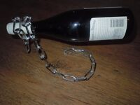 Floating Chain Style Wine Rack Bottle Holder and Corckscrew Pig