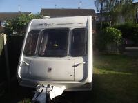 Reduced for quick sale Rallye compass gte 490/4 lshaped lounge, motor mover
