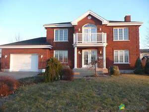 399 000$ - Maison 2 étages à vendre à Warwick