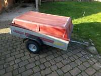 Galvanised 5 x 3 trailer with fibreglass lid