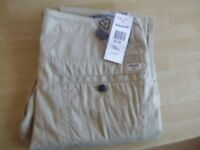TIMBERLAND TROUSERS. SLIM FIT. W32/L34. NEW WITH TAGS.