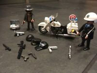 AS NEW Playmobil Policeman, police motor bike and robber,set 5891. carry case &original box. RRP £10