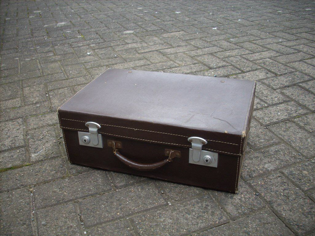 Lovely condition Vintage Brown Suitcase