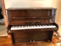 Upright Piano - Bell, perfect for beginners