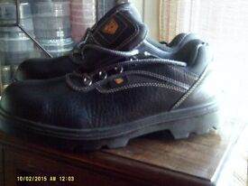 JCB EARTHMOVER WORKSHOES, NEW, SIZE 11.